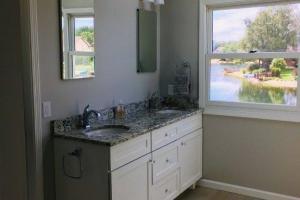 F-Guest-Bath
